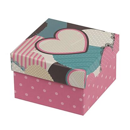 Resim Kalp Desenli Yastıklı Saat ve Bileklik Karton Hediye Kutusu
