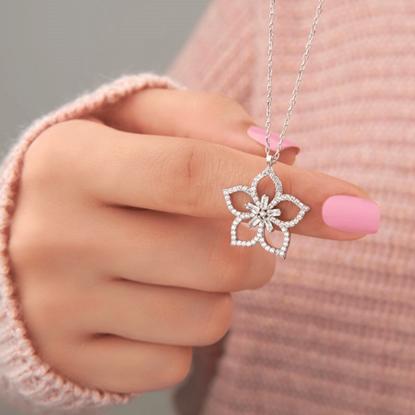 Resim Rodyum Kaplama Çiçek Baget & Zirkon Taşlı Gümüş Bayan Kolye